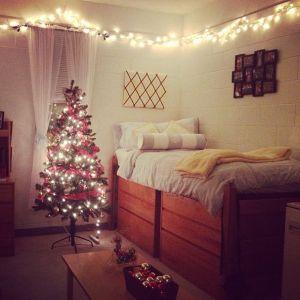 christmas dorm room pic