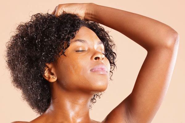 washing natural hair vocalady