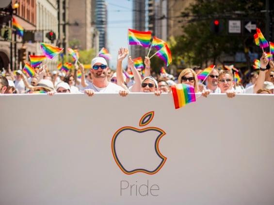 apple_parade_festival_reuters