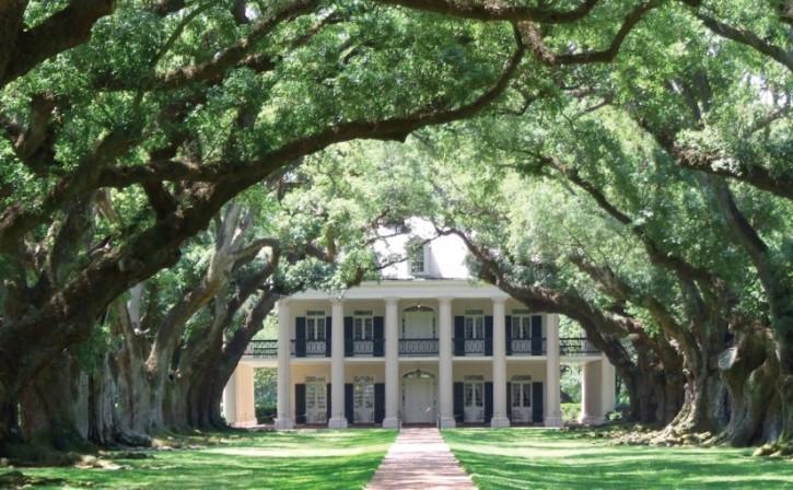 deep-south-plantation-825x510