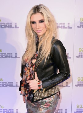 KESHA SEBERT at 93.3 FLZ's Jingle Ball 2012 in Tampa